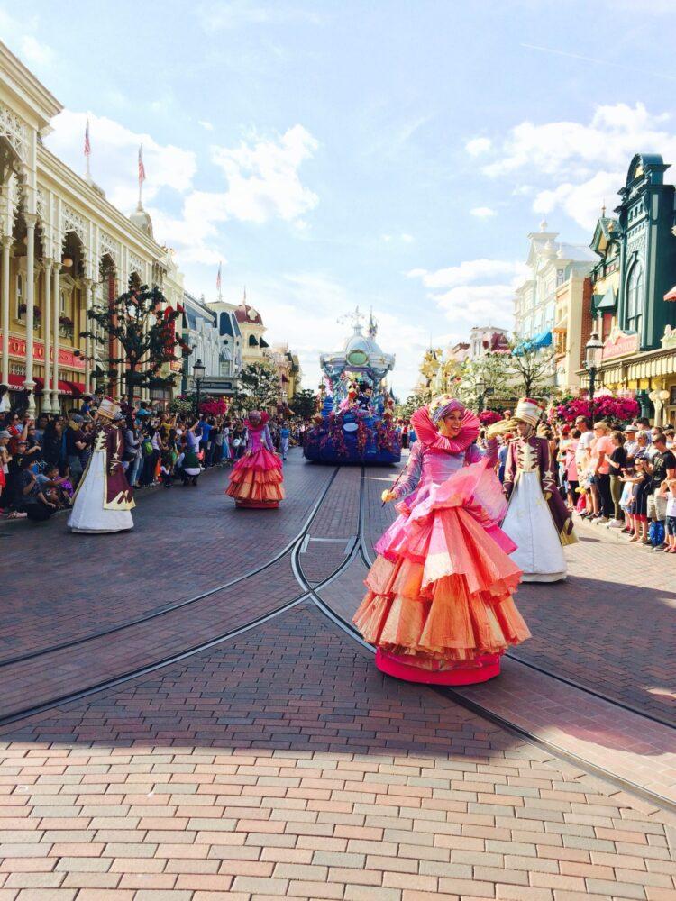 Het Gezinsleven - Uitstapjes - Pretparken - Disneyland Parijs - De parade