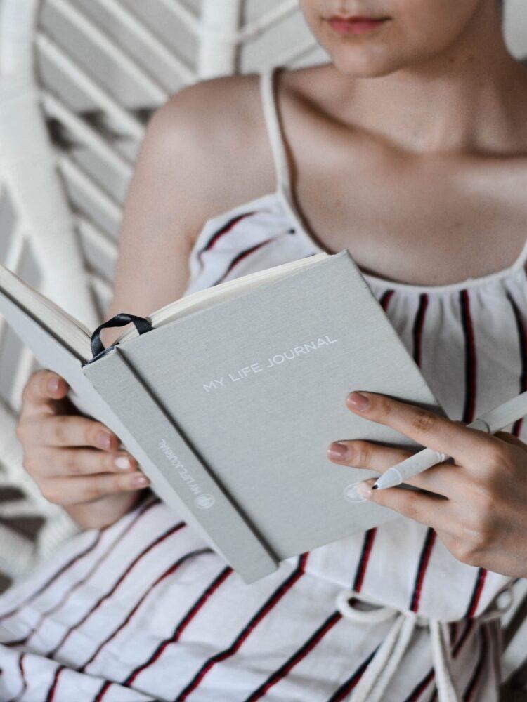 Het Gezinsleven - Lifestyle - Mindset - In 10 stappen het perfecte ochtendritueel voor een productieve dag - Journaling