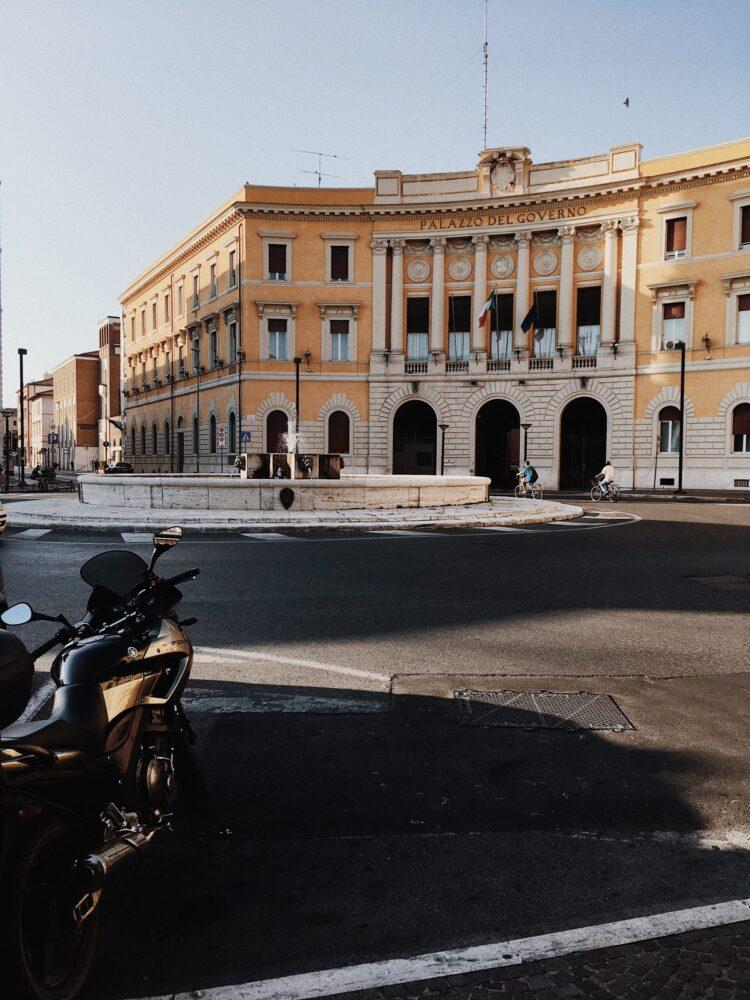 Het gezinsleven - Grosseto piazza scaled