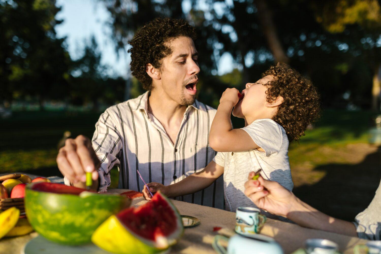 Het Gezinsleven - Moeder en Kind - Kinderen 1-4 jaar - Gentle Parenting en alles wat je er over moet weten! - Snoepen met kinderen