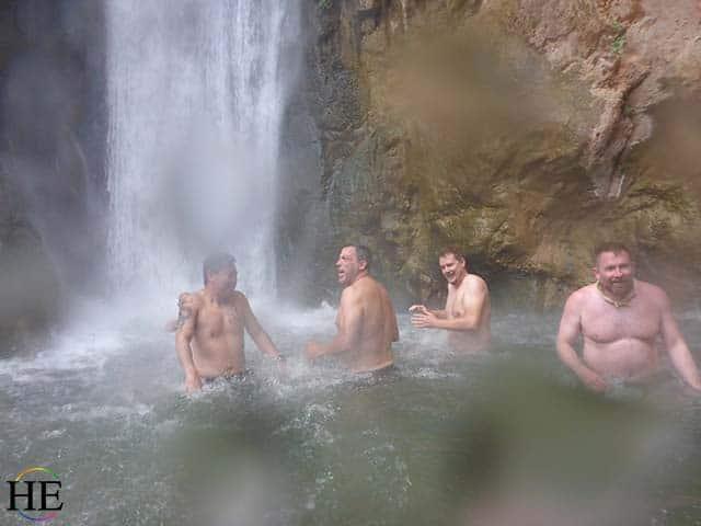 grand-canyon-hetravel-gay-rafting-adventure-tour-splash