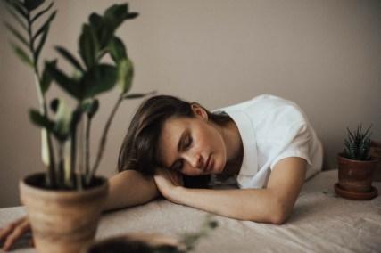3 habitudes du matin pour être heureux - fatigue