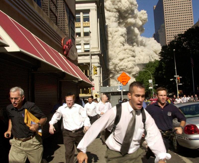 Stephen Cooper (l) überlebte den Anschlag in New York.