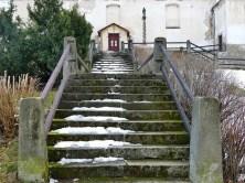 Treppe zur Kirche Petrovice