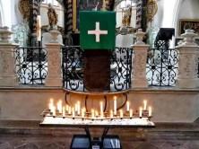 Kerzen zum Gottesdienst in der Wenzelskirche