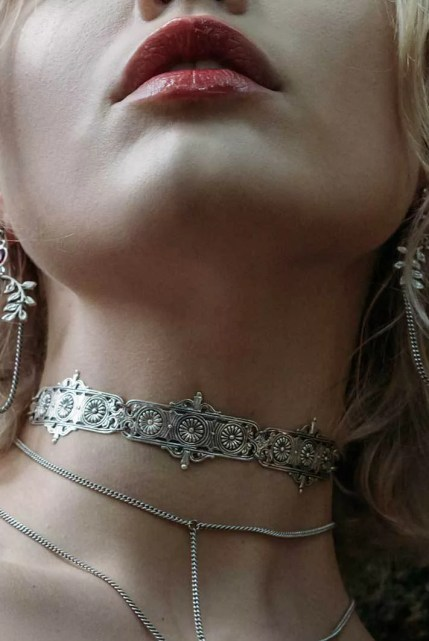 Regal Rose Silver Torment Choker