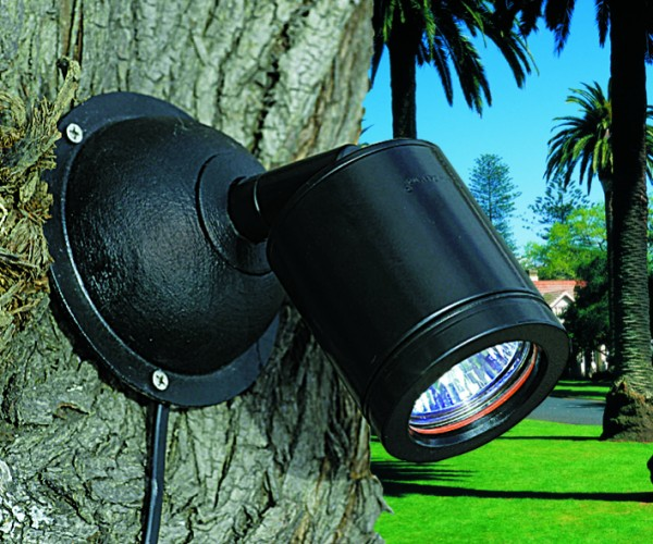tree mount kit for fixing garden lighting to trees to create moon lighting effects