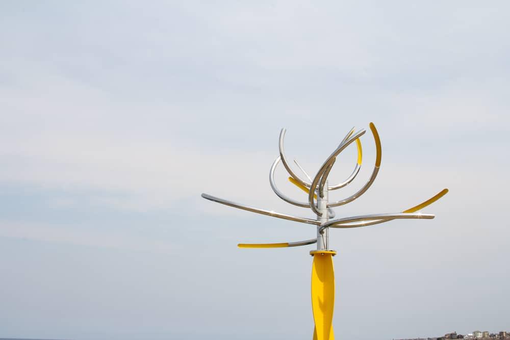 'like a flower swaying in the wind' by Hiroyuki Kita