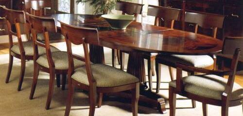 マホガニー材のダイニングテーブルコーデで豪華な食卓を