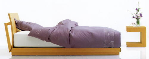 和モダンを演出・ベッドフレームと寝具の組み合わせコーデ