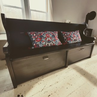 Black-Distressed Pew Style Bench
