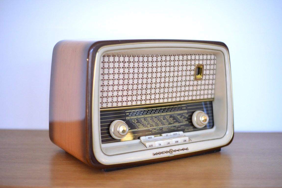 Loewe Opta Radio Bella Luxus 2711W heyday möbel moebel Zürich Zurich Binz