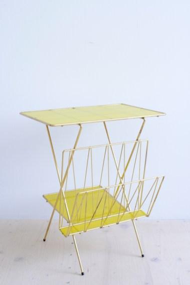 Brass Plated Magazine Rack With Yellow Contrasting Glass heyday möbel mobel moebel Zurich Zürich