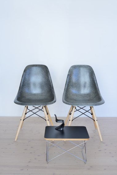 Eames Elephant Grey Fiberglass Dining Chair Pair heyday moebel Zurich
