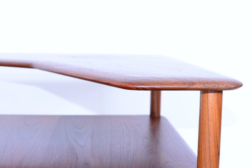 Peter-Hvidt-Corner-End-Table-Minerva-Denmark-1960s-heyday-möbel-Zürich-Vintage-07