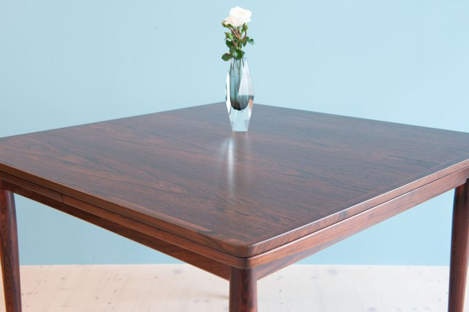 Rosewood Table by Arne Vodder for Sibast Furniture, Denmark 1960s. Available at heyday möbel, Grubenstrasse 19, 8045 Zürich, Switzerland. Mid-Century Modern.