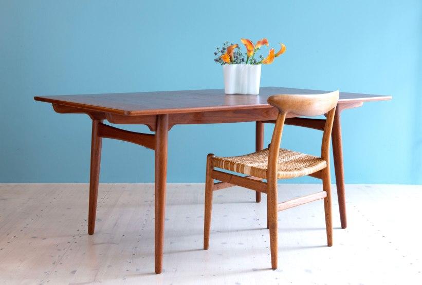Hans_J_Wegner_AT310_Dining_Table_in_Teak_heyday_möbel_Zurich_Switzerland_0675