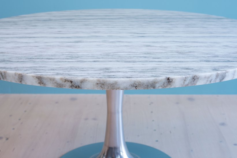 Arkana_Lounge_Table_in_Marble_by_Maurice_Burke_heyday_möbel_Zurich_Switzerland_0840