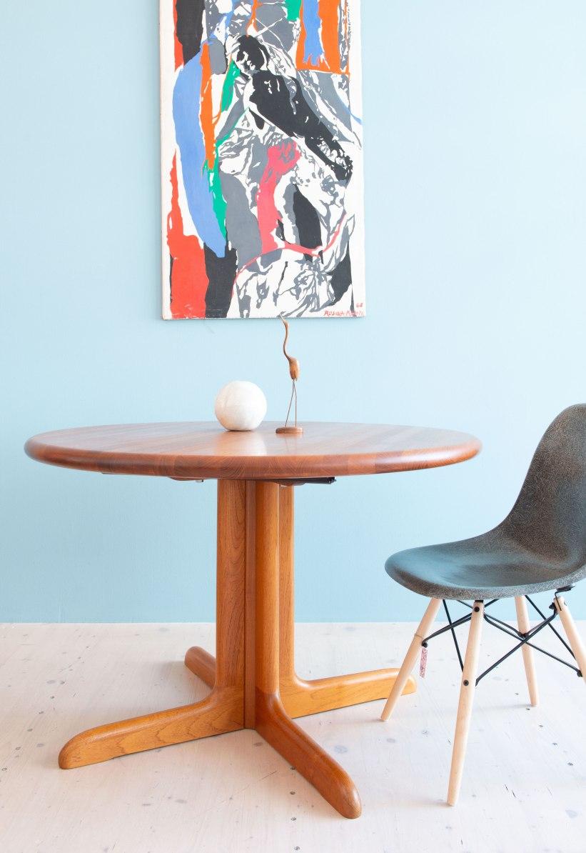 Niels_Otto_Möller__Round_Dining_Table_by_Gudme_Möbelfabrik_heyday_möbel_Zurich_Switzerland_1205