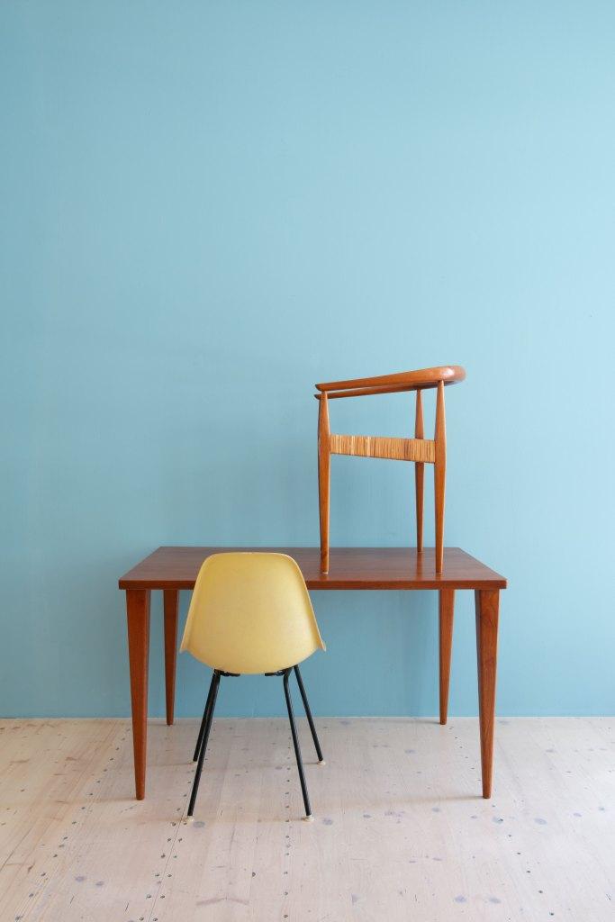 Nanna Ditzel Teak Writing Desk / Small Dining Table, Poul Kolds Savvæerk, Denmark, 1958. Available at heyday möbel, Grubenstrasse 19, 8045 Zürich, Switzerland. Mid-Century Modern Furniture and Other Stuff.