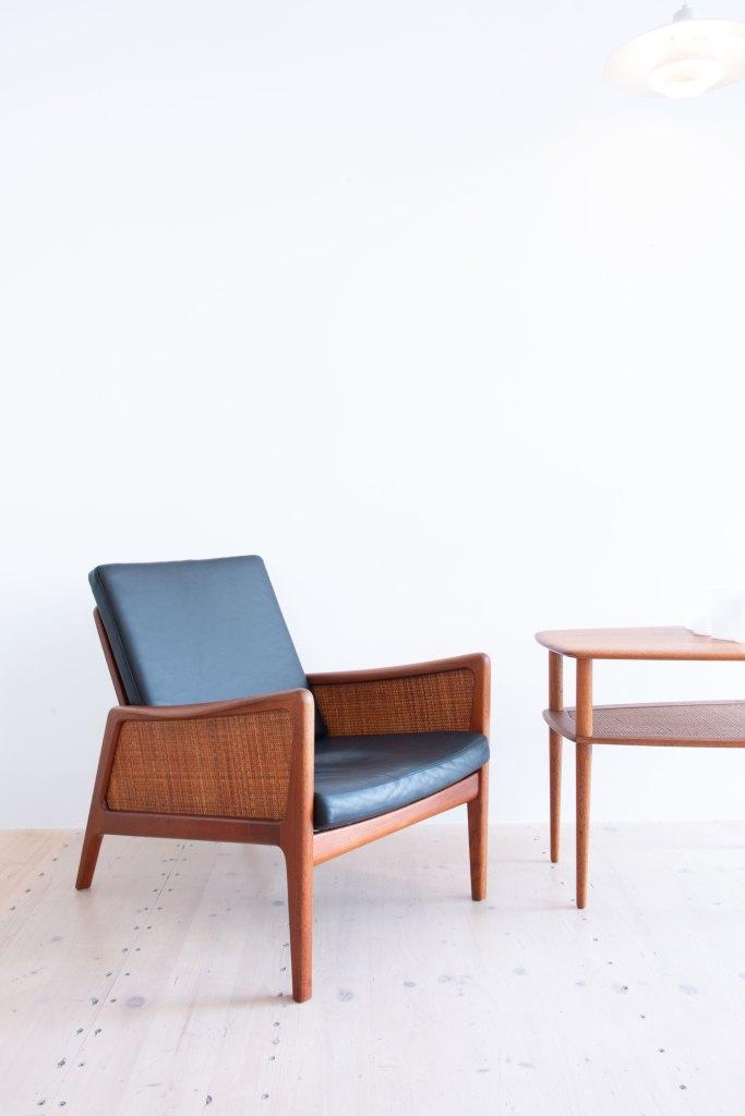 Orla Molgaard-Nielsen & Peter Hvidt, Teak & Cane Side Table by France & Daverkosen, Denmark, 1950s. Available at heyday möbel, Grubenstrasse 19, 8045 Zürich, Switzerland.