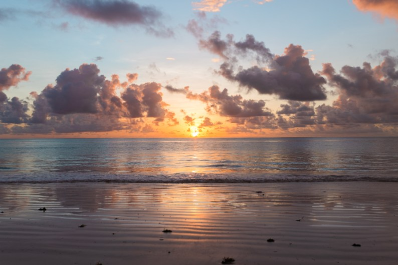Gladness WIT Interview & sunrise at Hakuna Majiwe | @dipyourtoesin