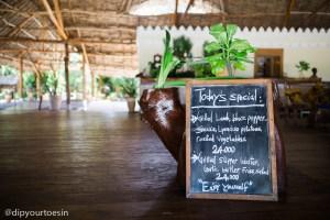Restaurant menu at Hakuna Majiwe in Paje, Zanzibar | @dipyourtoesin