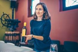 Sampling olive oils with Gemma Roig Aubert   Mas Llunes