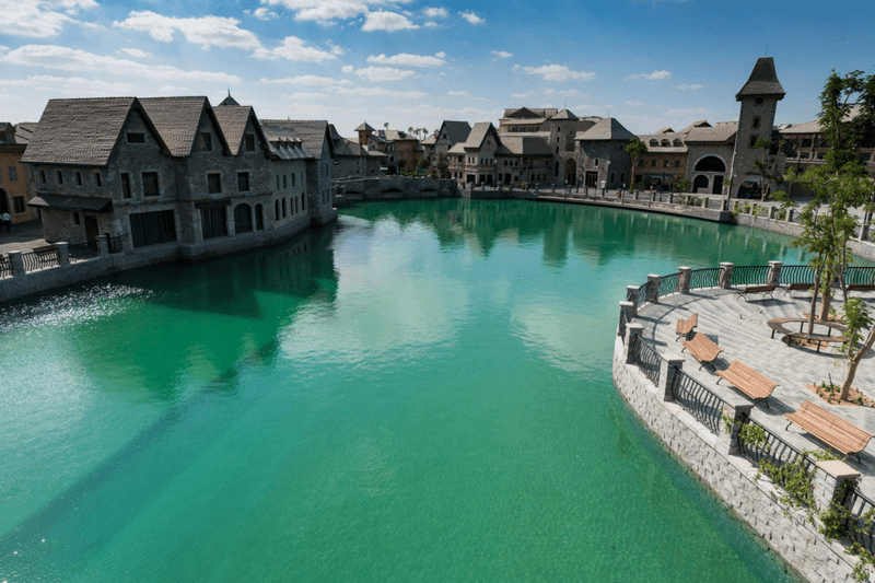 dubai attractions, dubai tourist guide, Dubai parks, Dubai, travel, what to do in Dubai, visit dubai, riverland dubai, where to eat in dubai, french style in dubai, shopping in dubai, river side in dubai