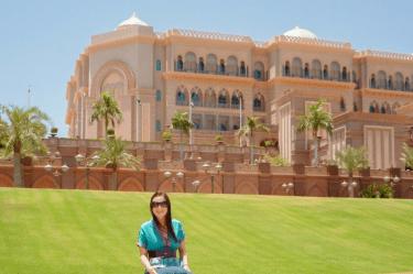 viajar é preciso, viagem, Oriente Médio, Ásia, destino, viajando pelo mundo, #ondeestálili, #heyiamlili, morar fora, morando fora, turismo, roteiro de viagem, viajar, mochilão, mochilando, blog de viagem, Abu Dhabi, Dubai, Emirados Árabes, Grand Palace