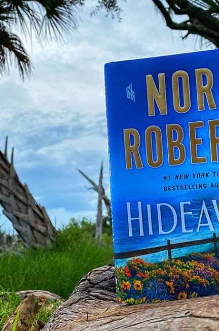 Hideaway by Nora Roberts