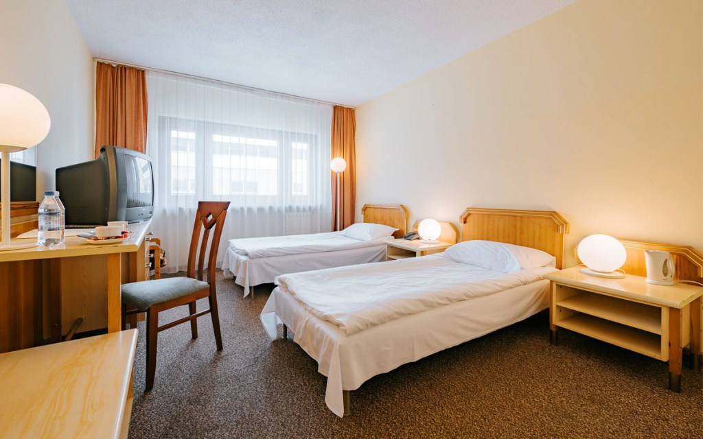 Sungate Hotel Airport | cheap hotels near Warsaw Airport