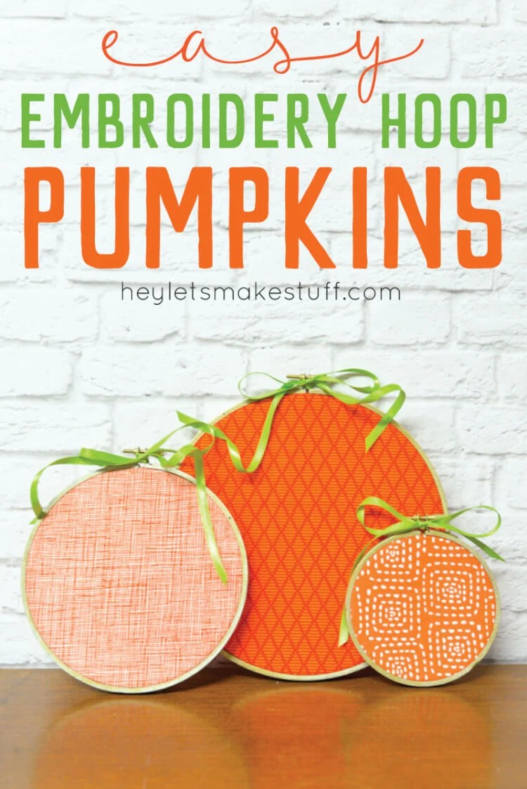 Decorate in a flash -- these easy halloween pumpkin embroidery hoops take less than 15 minutes to make! via @heyletsmakestuf