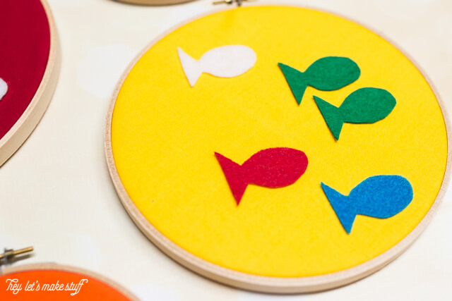 These Dr. Seuss decorative felt hoops are perfect for nursery or kid's decor, and are super easy to make. Post as a free printable pattern! #craftlightning