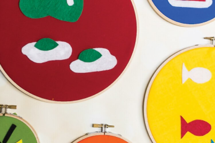 These Dr. Seuss felt hoops are perfect for nursery or kid's decor, and are super easy to make using felt and embroidery hoops!