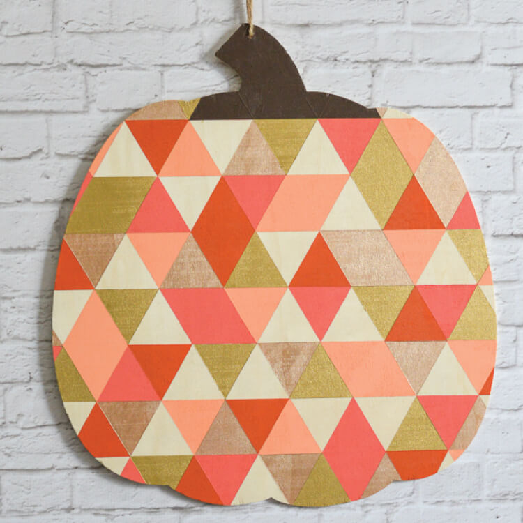 This geometric pumpkin was so fun to make! Stop by and see how to create this paint treatment on whatever you might want to paint.