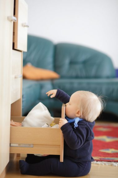 Overwhelmed by piles and piles of baby clothes? Here's a method for keeping everything sorted and knowing when to get rid of things.