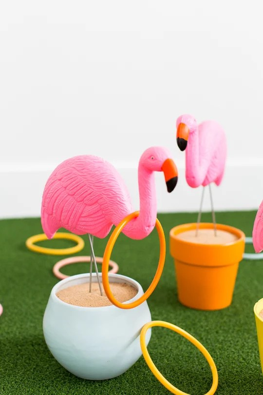 DIY flamingo ring toss game