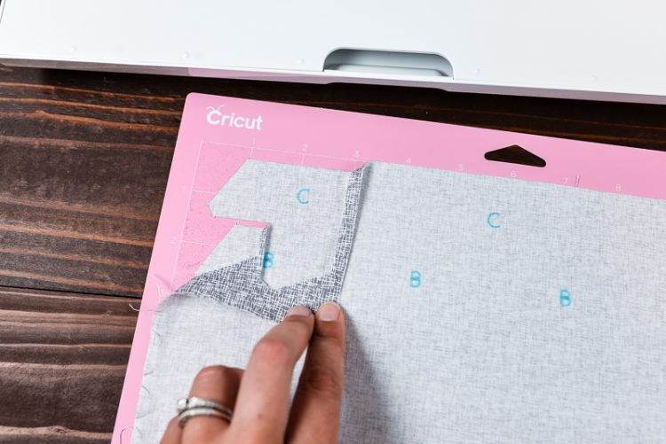 how to cut fabric on Cricut Maker