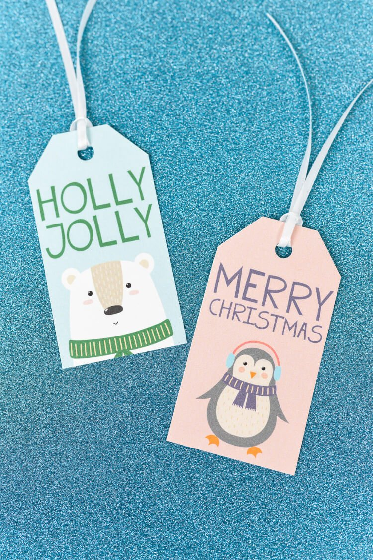 Add a bit of sweetness to your gift wrap with these cute Christmas gift tags! These printable gift tags are perfect for adding some adorable personalization to your Christmas presents!