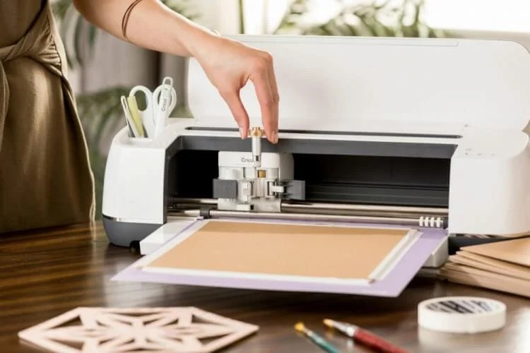 If you've played around with the Cricut Knife Blade at all, you'll notice a few quirks in Cricut Design Space! Here are a few new things things you might notice when working with theCricut Knife Blade and Cricut Design Space.