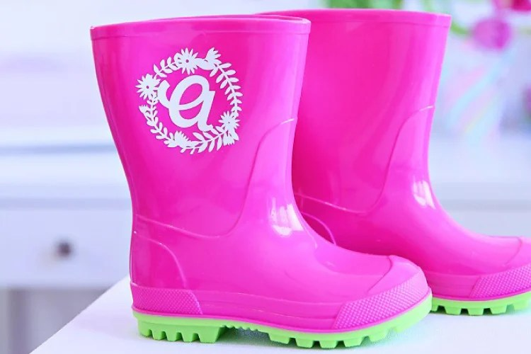 DIY Monogram Rain Boots With Cricut from thecelebrationshoppe.com