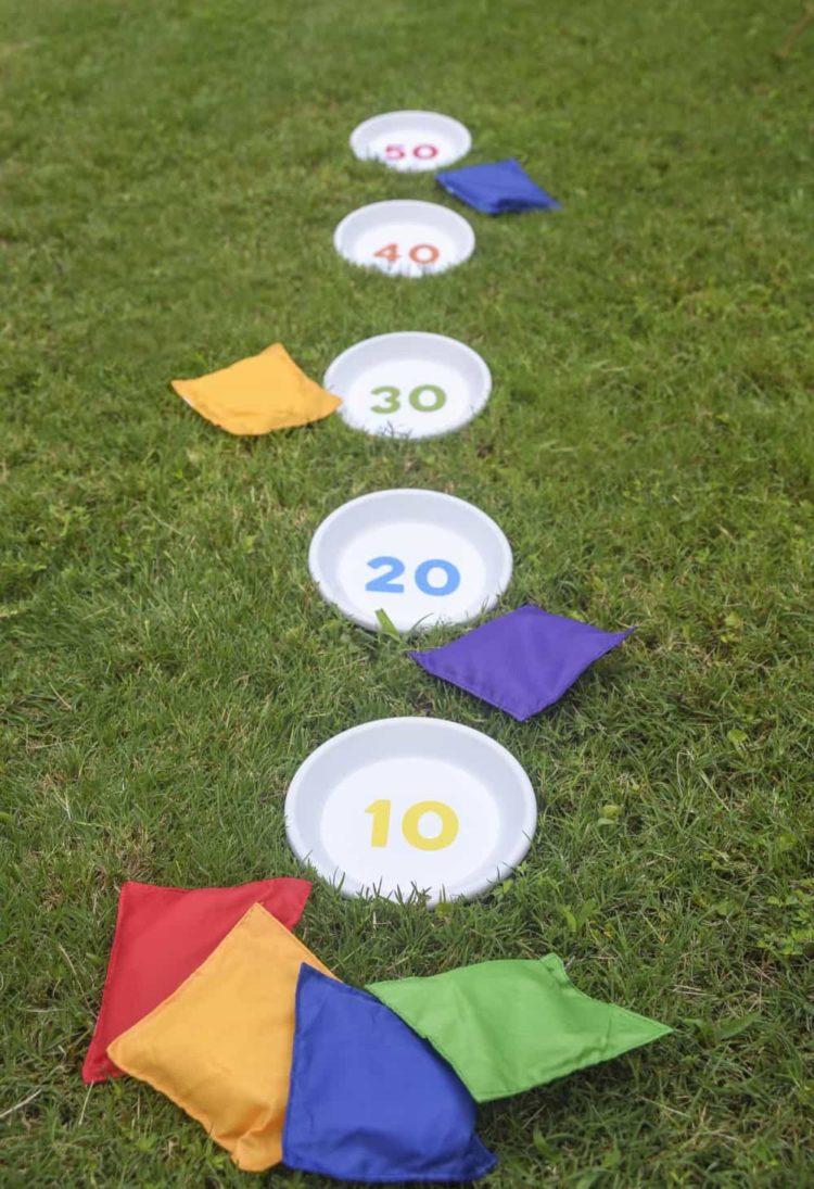 outdoor lawn game - bean bag toss