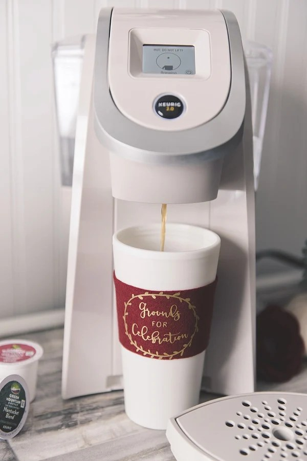 Coffee makes everything better, even a bridal shower. Tidewaterandtulle.com knows what's important, check out these DIY Fall Bridal Shower Coffee Cozies, they make a great shower favor.