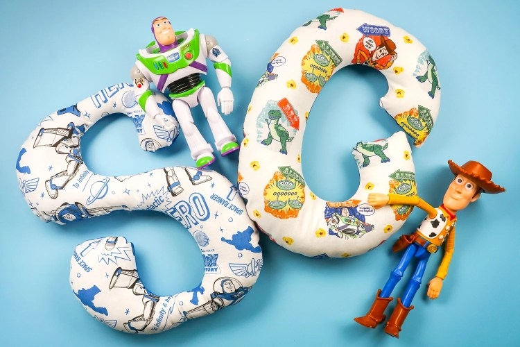 These alphabet stuffies, made using the Cricut Maker, are the perfect gift for a child learning their letters! Make one of out their favorite character fabric, like these fun Toy Story 4 patterns!