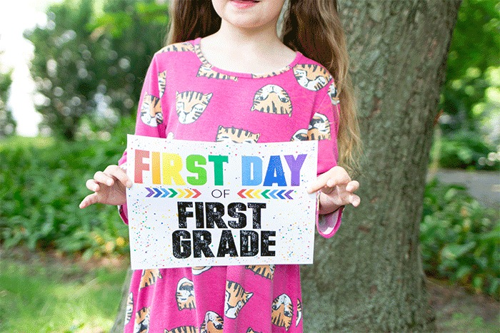 Chalkboard style, arrows and lots of color, I love everything about this collection of printable first day of school signs from lifeovercs.com.