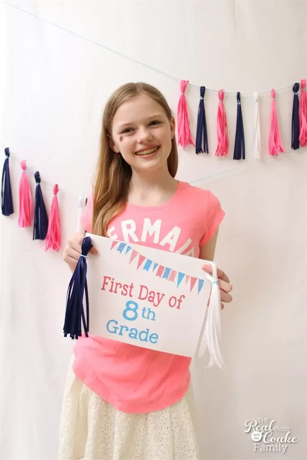 Pastel colors and flag banners inspired this sweet collection of back to school printables from realcoake.com.