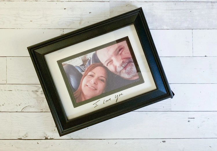Make this sweet DIY memory frame as a gift or as a special reminder of a special loved one. Everydaypartymag.com walks you through the process using a few materials and your Cricut.