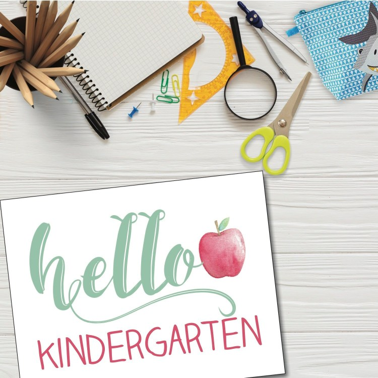 I love the watercolor look of these back to school signs from everydaypartymagazine.com!