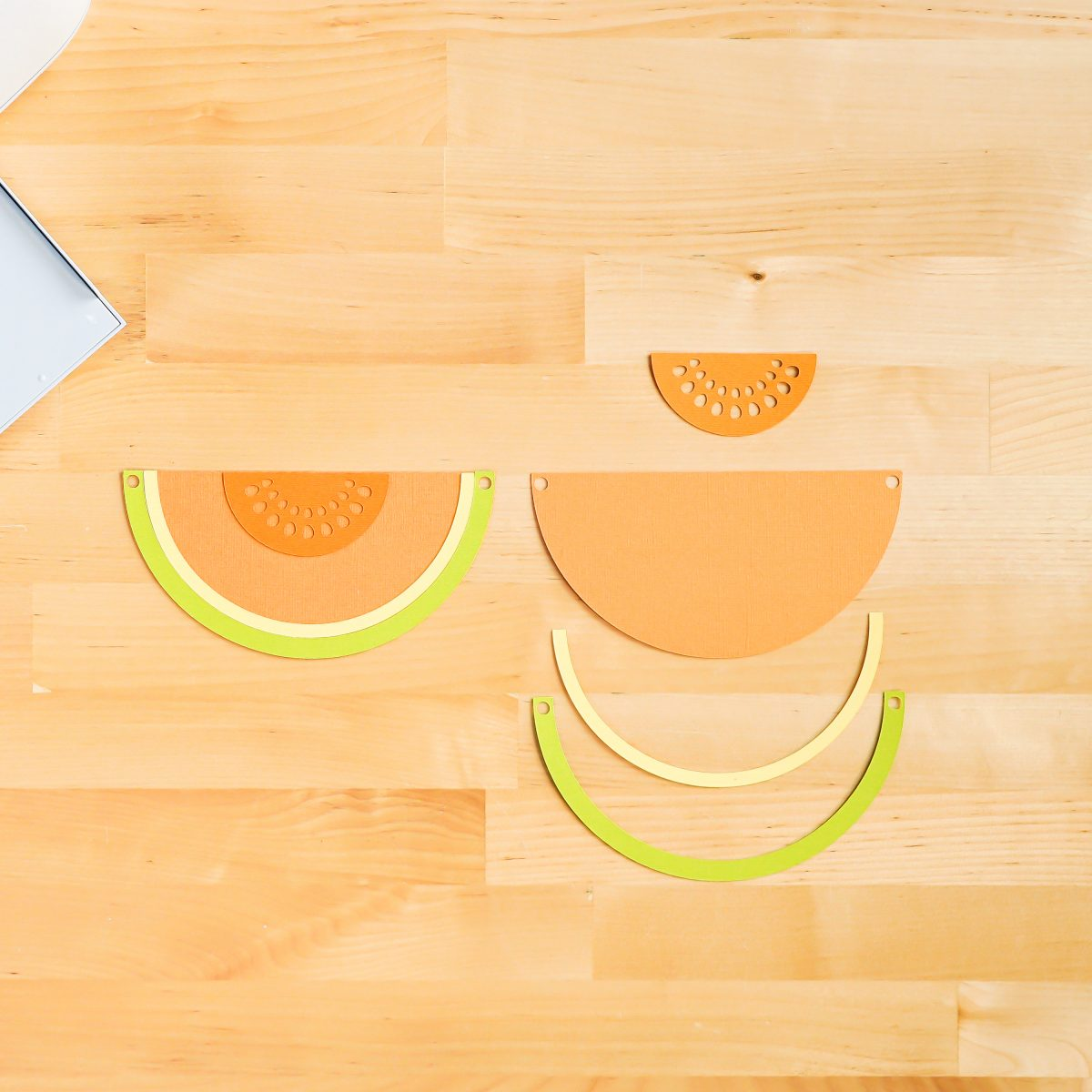 How to assemble the cantelope